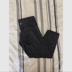 Lululemon cropped leggings (2) EUC